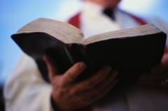 Bibbia in mano