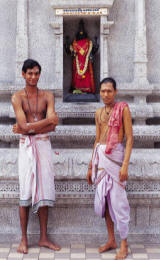 Cosa ottini nell'induismo?